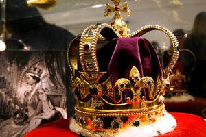 Hodnotu korunovačných klenotov v čase krádeže v 17. storočí odhadovali na závratných 100-tisíc libier.