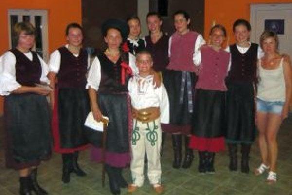Detský folklórny súbor Kukučka z Jasenovej.
