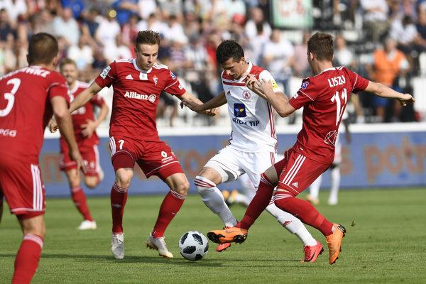 Momentka zo zápasu AS Trenčín - Górnik Zabrze.