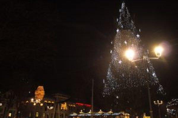 Mestá dýchajú vianočnou atmosférou.