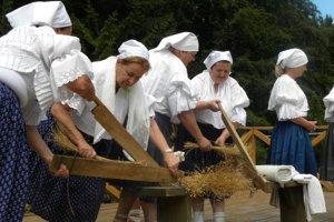Staré tradície priblíži v skanzene FS Dedovanka z Oščadnice.