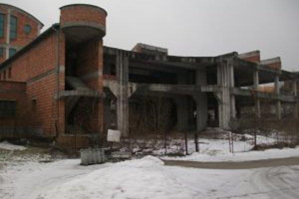 Čo s rozostavanou nemocnicou? Odpoveď na otázku už bude hľadať nový majiteľ - mesto Námestovo.