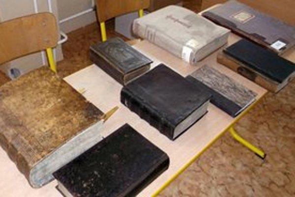 Poklady z knižnice Mariána Grígľa.