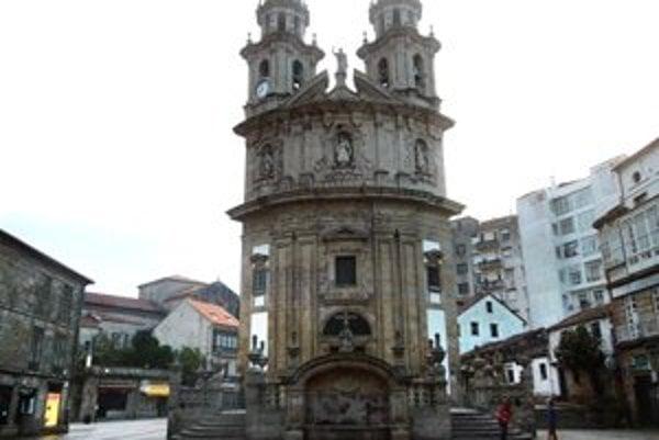 Pontevedra. Kostol Panny Márie Pútničky, pôdorys má tvar mušle.