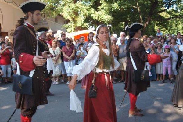 Ukážky dobových tancov počas Barokového dňa.