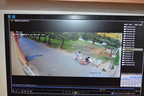 Kamerový záznam z incidentu so psom.