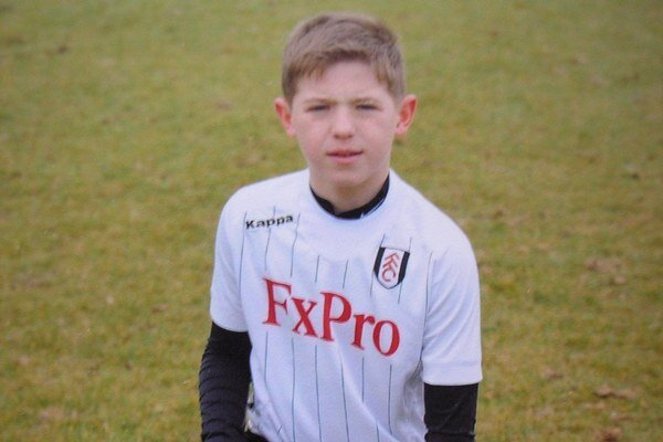 Dominik Topoľský v drese Fulhamu.