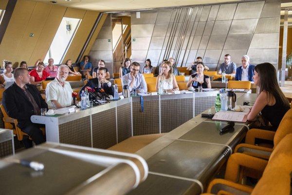 Zasadnutie Zahraničného výboru Národnej rady.