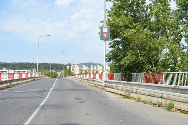 Mosty na Zvolenskej ceste čakajú opravy.