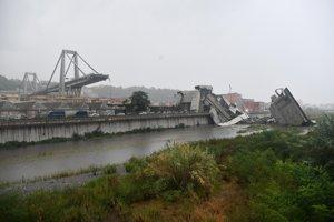 Trosky Morandiho mosta v Janove.