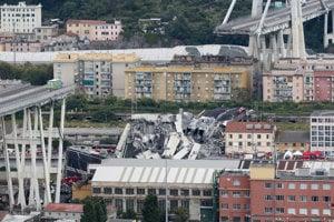 Frekventovaná most sa zrútil v obývanej zóne.