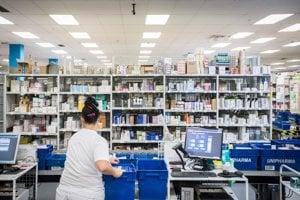 Unipharma patrí medzi päťdesiat najväčších podnikov v krajine. Vlastní ju takmer 800 lekárnikov z celého Slovenska.