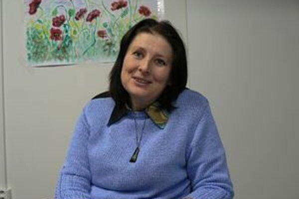 Helena Adamčáková zakladá v Hornej Lehote  Centrum pre rodinu a sociálnu starostlivosť Harmónia, ktorého služby sú určené pre obce od Oravského Podzámku po Krivú.
