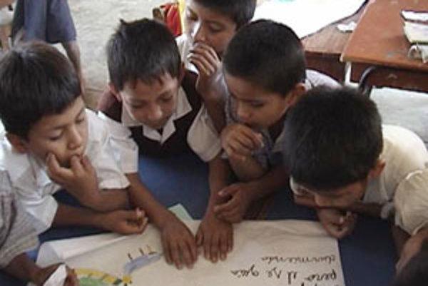 Peruánski školáci.
