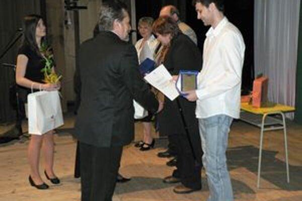 Včera predstavitelia mesta ocenili najlepších učiteľov dolnokubínskych škôl.