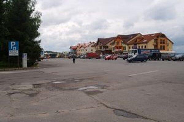 Bezplatné víkendové parkovanie na Nábreží skončilo v júni.