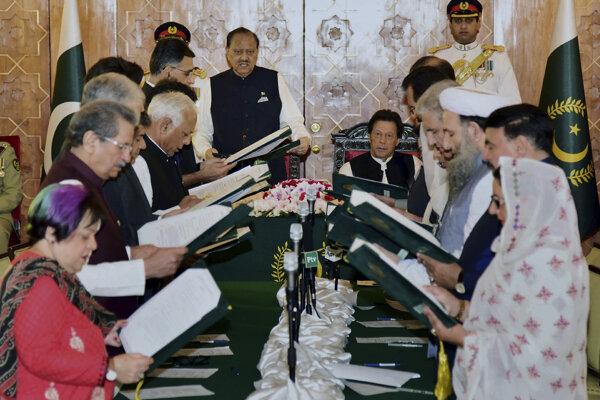 Pakistanská vláda zložila prísahu. Jadroví susedia si nemôžu dovoliť dobrodružstvo