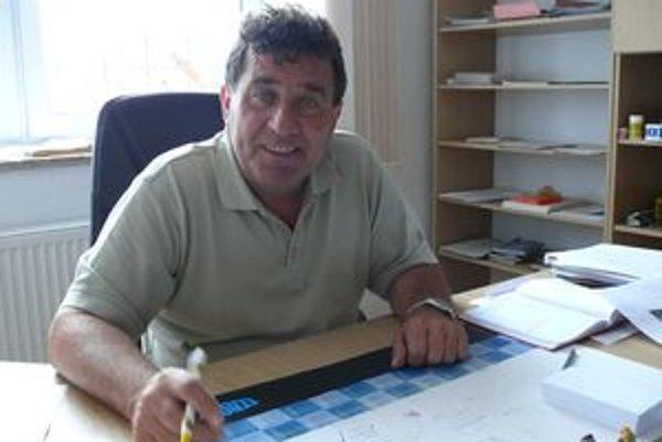 Stanislav Papajík sa futbalu venuje naplno, ukrajuje preň aj z času, ktorý strávi vo vlastnej firme.