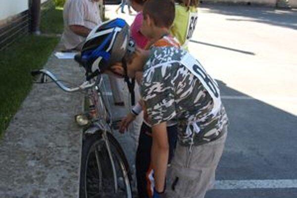 Deti navštevujúce krúžky v trstenskom centre voľného času robia predovšetkým pohybové aktivity. Pri tých musia byť poistení.