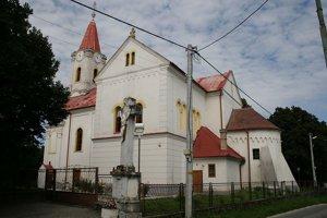 Kostol sv. Jána Krstiteľa v Jelke.