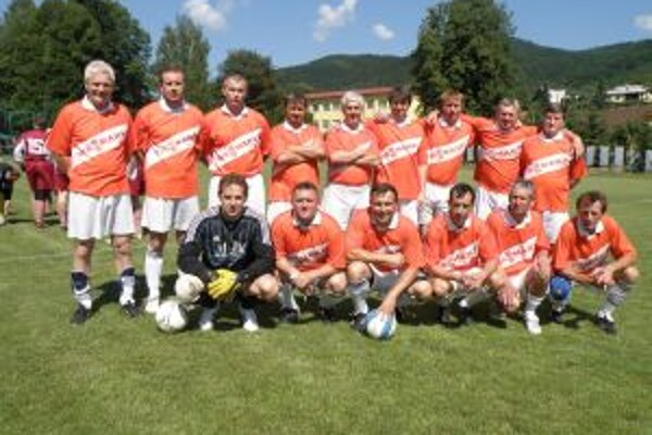 Futbalisti TJ Lysá vyhrali domáci turnaj.