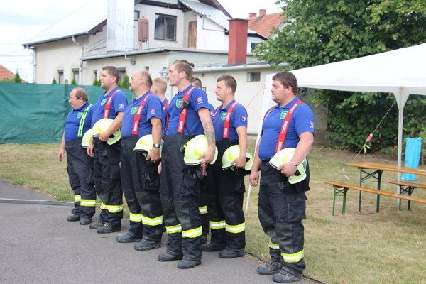 Dobrovoľným hasičom z Bystričian sa dostalo pocty.