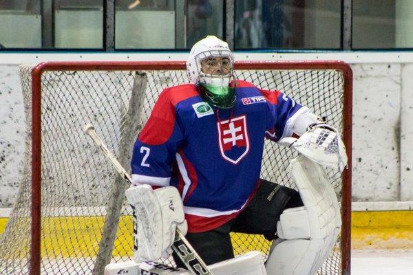 Mladý talentovaný brankár zNových Zámkov Andrej Julínek vreprezentačnom drese Slovenska.
