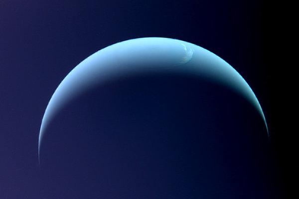 Záber Neptúna zo sondy Voyager 2 z roku 1989.