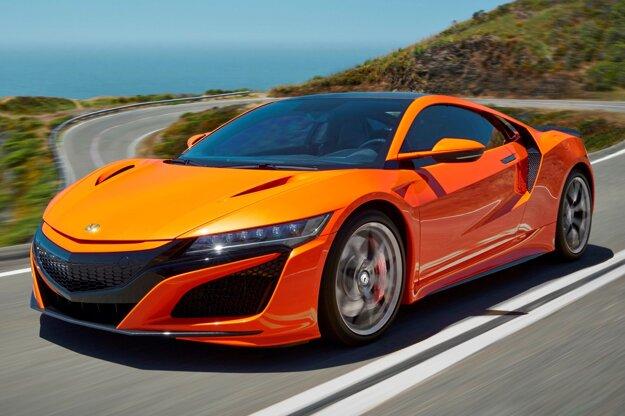 Zmodernizovaná bola aj superšportová Honda HR-V, ktorá môže byť za príplatok vystrojená uhlíkovo-keramickými brzdovými kotúčmi – tento model sa dá objednať len u vybraných predajcov.