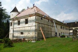Taliansky majiteľ postupne rekonštruuje kaštieľ v Krasňanoch.