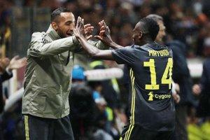 Blaise Matuidi sa teší z víťazného gólu do siete Parmy.