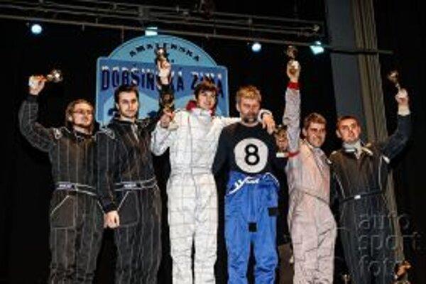 Na stupni víťazov - vľavo Pavol Michalec a Tomáš Vrábel.