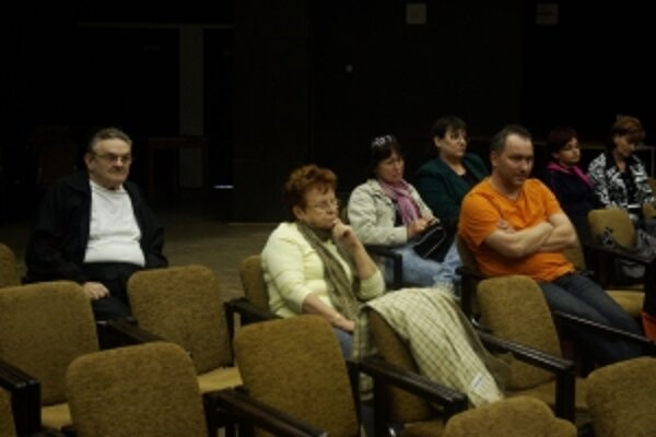 Občanom, ktorí na zastupiteľstvo prišli, sa rozhodnutie poslancov nepáčilo.
