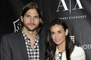 Demi Moore. Herečka potratila v roku 2003, krátko na to, ako sa začal jej vzťah s hercom Ashtonom Kutcherom.