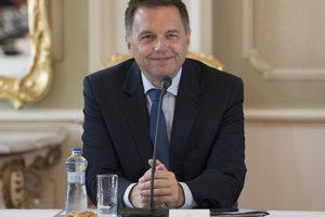 Mnister financií Peter Kažimír.