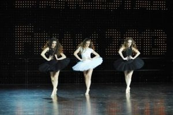 Tanečné trio N-dolls si odnieslo pohár víťazov.