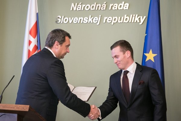 Predseda SNS Andrej Danko a predseda ÚVO Miroslav Hlivák.