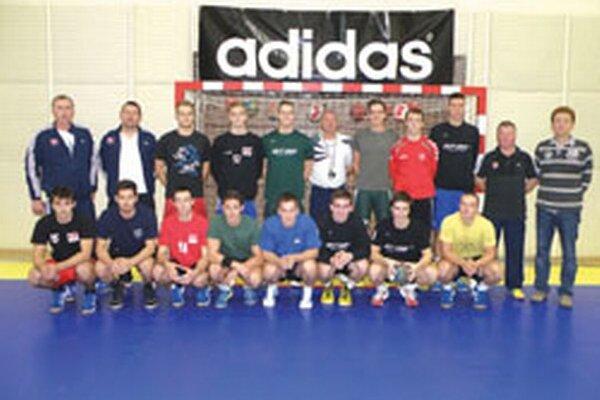 Jednu tréningovú jednotku absolvovali mladí reprezentanti v topoľčianskej hale.