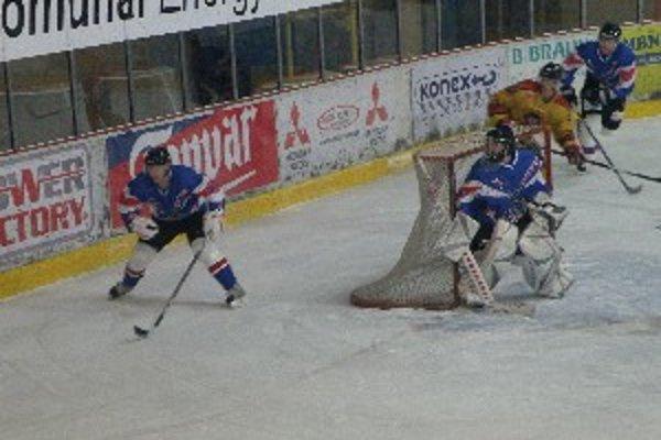 Topoľčany po zbabranom piatkovom zápase vyhrali v Piešťanoch.