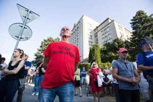 Na protest prišlo asi 150 ľudí.