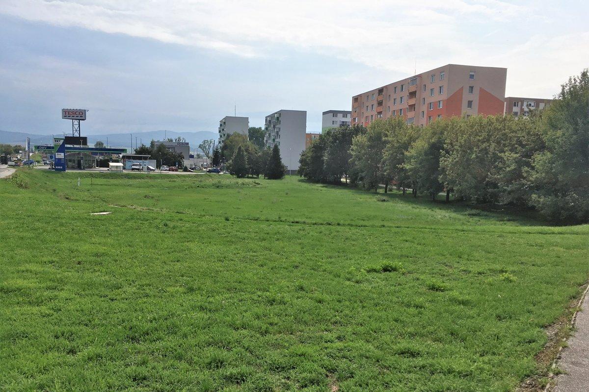 V meste začína výstavba nového obchodného centra. Vieme 5e21d870379