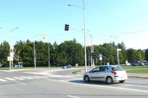 Obyčajné semafory nahradia pri kostole v Martine inteligentné. Poteší to najmä chodcov.