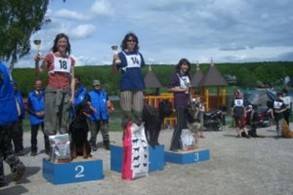Tri najrýchlejšie  zľava Lucia Paulovičová, Ketoslava Tavassiová, Ľubica Bruchatá.