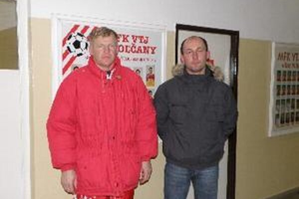 Od zimnej prestávky vedie mužstvo Topoľčian tréner Dušan Liba (vľavo) spoločne s asistentom Romanom Jakubičkom.