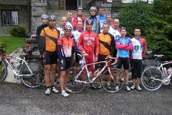 Cyklisti z Topoľčian prešli až do cieľa.