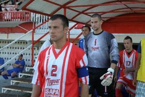 Martin Hužovič vychytal v sobotu nulu, pred ním kapitán Topoľčian Marián Ďatko.
