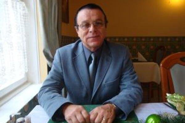 Doktor Ivan Snopek bol primátor transfuziologického oddelenie aj riaditeľom topoľčianskej nemocnice.