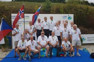 H2O Piešťany s bronzom. V tíme nastúpil i Igor Vestenický (vpravo dole).