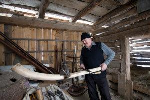 Fujara trombita je pastiersky hudobný nástroj, ktorý slúžil najmä na komunikáciu zvukovými signálmi v horských oblastiach.