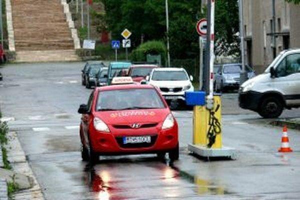 Povinnou výbavou pre autoškoly bude systém GPS